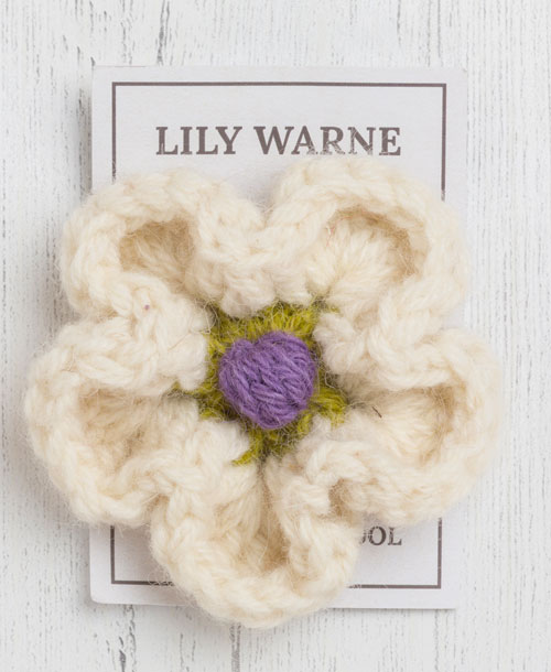 daisy brooch in chagford cream