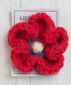 England brooch in sandypark scarlet