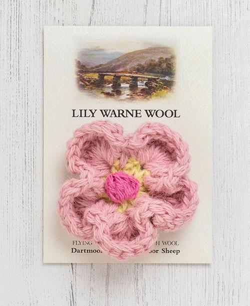 Daisy Brooch Postbridge Pink