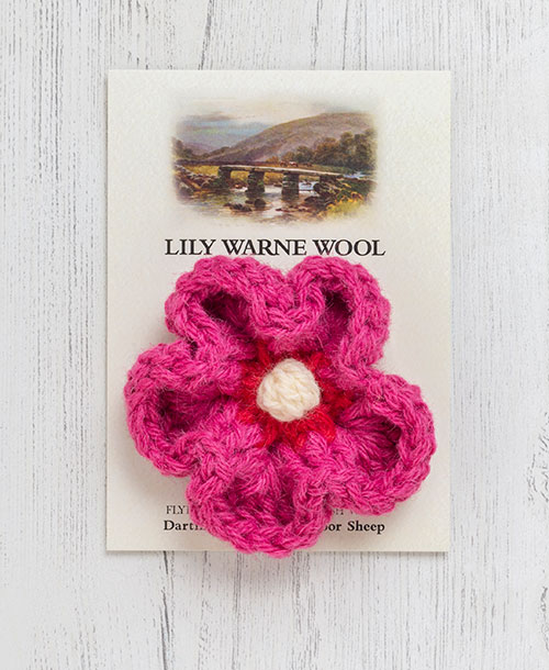 Daisy Brooch Princetown Pink